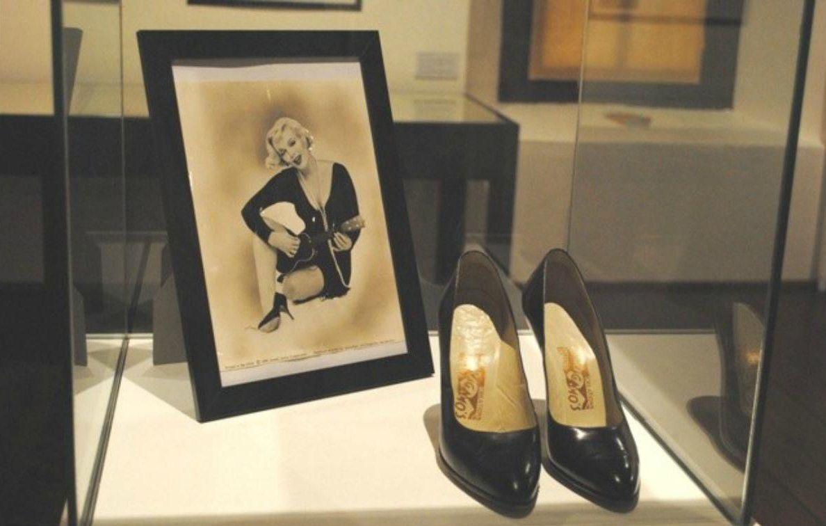 Shoe sex story